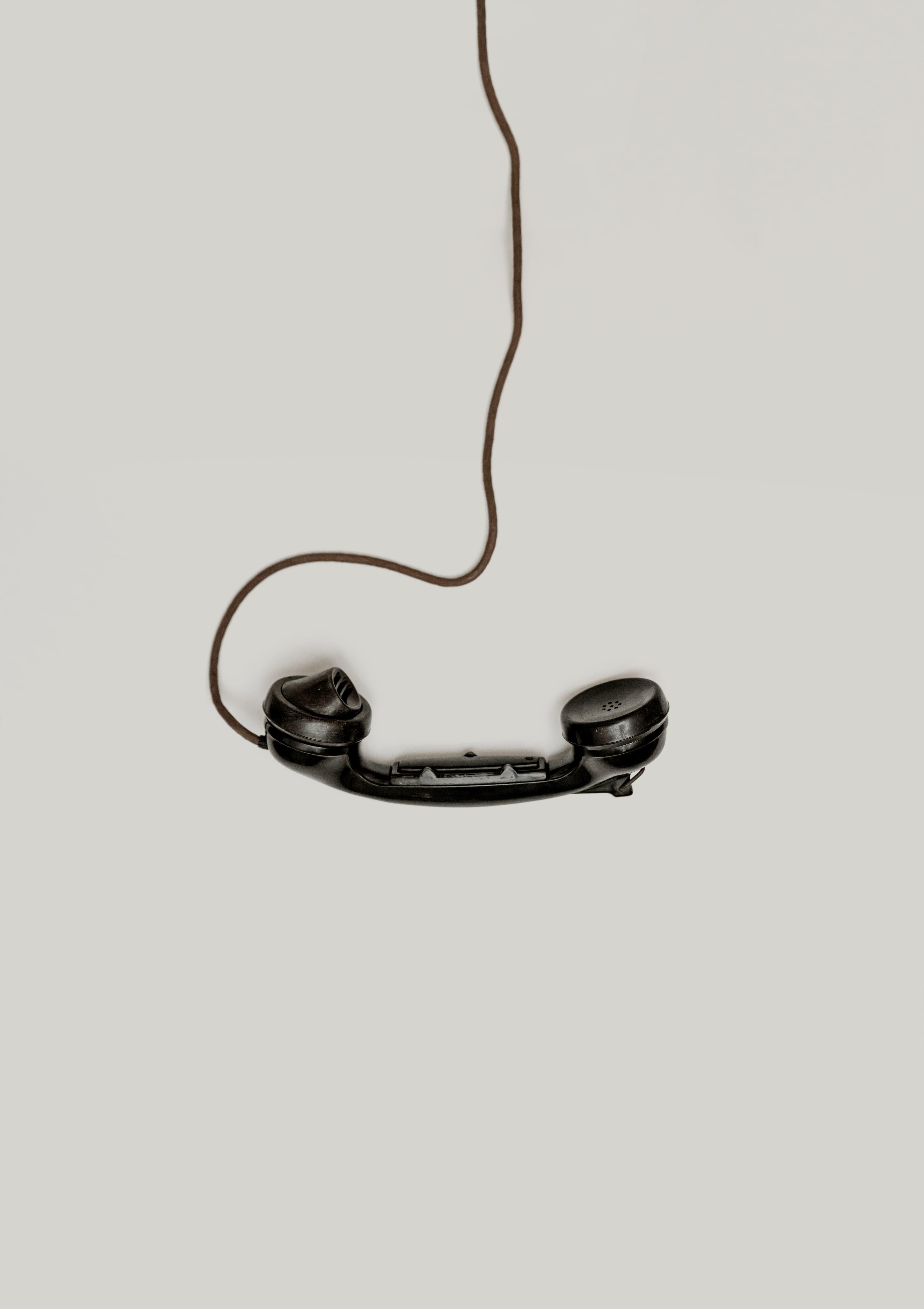 Phone - Photo by Alexander Andrews on Unsplash